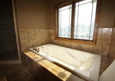 LuxuryMasterBathroom_HLTK